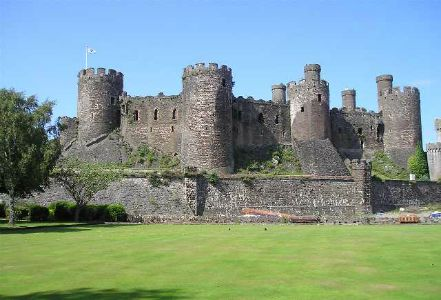 conwy castle wales tours